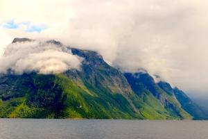 8.25 Hjorundfjord 11